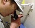 給水管工事・更生工事のトーヨー興産株式会社の塗膜検査